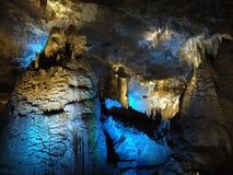 Mostra feericamente clara na caverna do PROMETHEUS Imagem de Stock