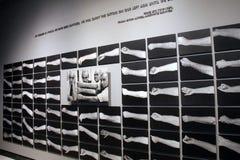 Mostra straziante dei tatuaggi sulle vittime dell'olocausto, museo commemorativo di olocausto degli Stati Uniti, Washington, DC,  fotografia stock