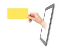 Mostrando o cartão eletrônico Fotografia de Stock