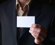 Mostrando um cartão em branco Foto de Stock