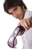 Mostrar sus gafas de sol Fotos de archivo libres de regalías