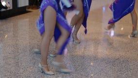 Mostri il balletto ed il loro ballo video d archivio