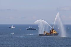 Mostri l'imbarcazione del pompiere. Immagini Stock Libere da Diritti