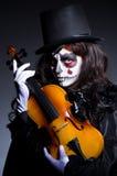 Mostro che gioca violino Fotografia Stock Libera da Diritti