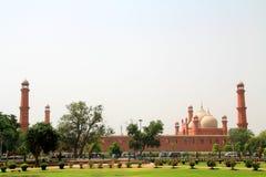 mosuqe экстерьера badshahi стоковое изображение rf