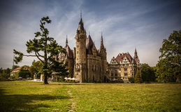 Moszna城堡波兰 免版税库存照片