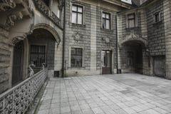 MOSZNA, POLEN - 4. JUNI 2017: Das Moszna-Schloss ist ein historisches Lizenzfreie Stockfotografie