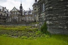 MOSZNA POLEN - JUNI 04, 2017: Den Moszna slotten är ett historiskt Arkivbild