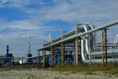 mot blue pipelines skyen Royaltyfri Bild