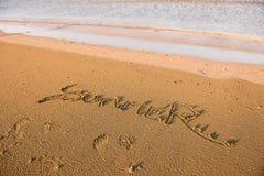 Mot d'été écrit en sable Photos libres de droits