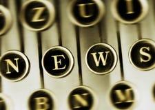 Mot d'ACTUALITÉS sur la machine à écrire de vintage Photo libre de droits