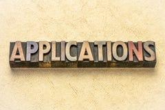 Mot d'applications dans le type en bois images stock