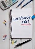 Mot de contactez-nous Photo stock