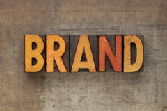 Mot de marque dans le type d'impression typographique Photographie stock