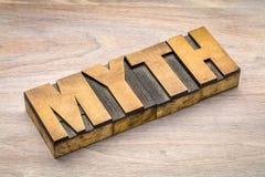 Mot de mythe dans le type en bois d'impression typographique Images libres de droits