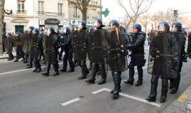 mot den demonstrationseskortgaza polisen kriga Royaltyfri Bild