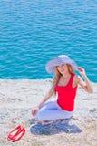 mot flicka vaggar havet Royaltyfri Fotografi