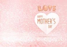 Mot heureux du jour de mère sur le coeur de papier dans la pièce en pastel rose de scintillement, l'espace de congé pour ajouter  Photo libre de droits