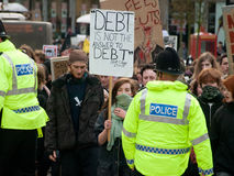 mot snittutbildningsprotesten uk Royaltyfri Foto