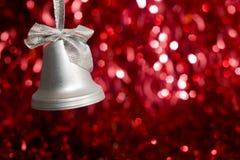 mot sparkly röd silver för bakgrundsklocka Fotografering för Bildbyråer
