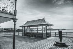 mot victorianen welsh för pir för bakgrundclevedonkostnad royaltyfri foto