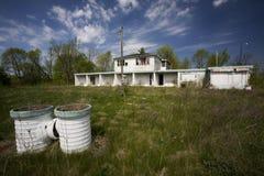 Motel abandonado Foto de archivo