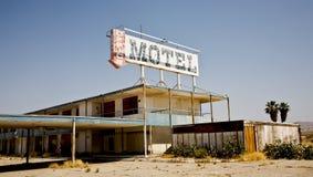 Motel abandonado, mar de Salton, CA Imagens de Stock