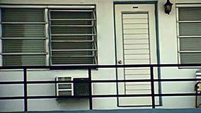 Motel de los años 70 de Miami Beach almacen de metraje de vídeo