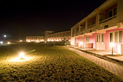 Motel/hotel na noite Fotos de Stock