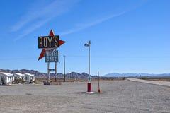 Motel y café, Amboy, CA del ` s de Route 66, de Roy Imagenes de archivo