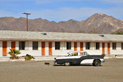 Motell i Mojaveöknen längs Route 66 arkivfoto
