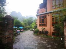 Motell i Yangshuo royaltyfria foton