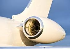 Moteur à réaction sur un avion privé - bombardier Photographie stock