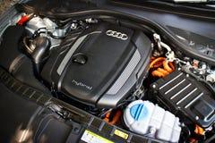 Moteur 2014 d'hybride d'Audi A6 Image libre de droits
