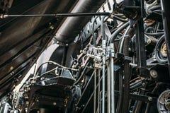 Moteur de moissonneuse, chaînes de vitesse, transmission de mécanismes de nouveau moteur moderne de véhicule de cartel de technol Photographie stock