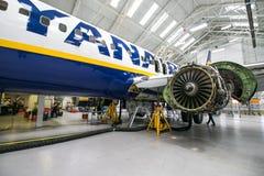 Moteur de turbine d'avion de Ryanair Boeing Photographie stock