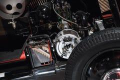 Moteur, générateur et batterie de voiture de vintage photographie stock libre de droits