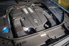 Moteur 2016 hybride embrochable de berline de Mercedes-Benz S 500e Photographie stock