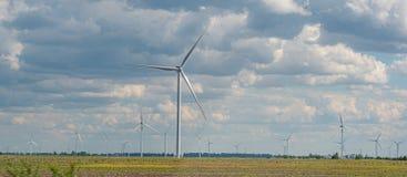 Moteurs de générateur de vent dans le pays photos libres de droits