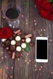 Mother's天英国兰开斯特家族族徽和巧克力背景 免版税库存照片
