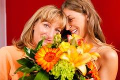 Motherâs of verjaardagsâ bloemen en vrouwen Royalty-vrije Stock Afbeelding