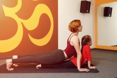 Mother and child yoga practice Royalty Free Stock Photography