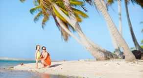 Mother and daughter on a beach Royalty Free Stock Photography