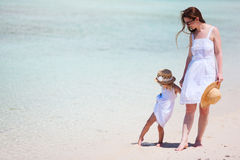 Mother and daughter at beach Royalty Free Stock Images