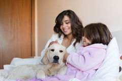 Mother and daughter in bed Royalty Free Stock Photography