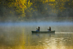 Mother and daughter canoing Royalty Free Stock Images