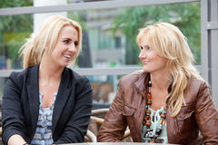 Mother and daughter in the city Royalty Free Stock Images