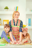 Mother daughter cooks Royalty Free Stock Photos