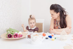 Mother and daughter with Easter eggs Royalty Free Stock Photos