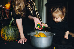 Mother and daughter playing together at home Royalty Free Stock Photography
